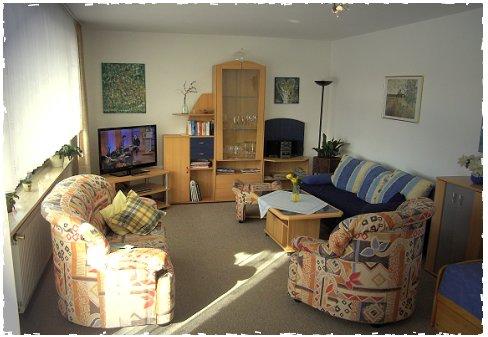 Grosses Wohnzimmer In FeWo Apfel Mit 2 Sofas Und Ausziehbarem Bett